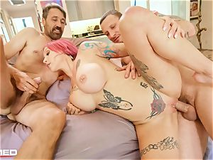 tucked Anna Bell Peaks unloads ash she penetrates two sausages