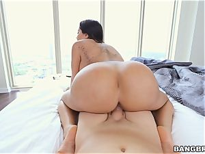Lela starlet point of view