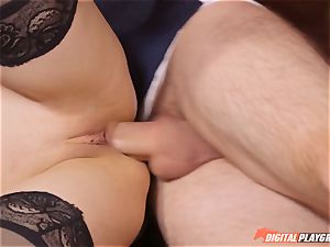 insatiable honey Stella Cox takes 2 spunk-pumps deep in her crevices