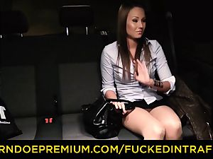 banged IN TRAFFIC curious dark haired fuck-fest with driver