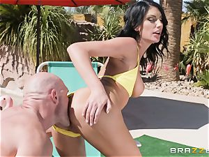 huge-titted August Ames porked deep in her pussy outdoors