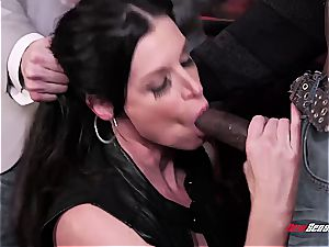 steaming wife India Summer orgasming on a black lollipop