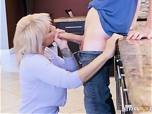 was seduced by his girlfriend's lascivious mommy