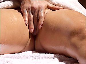 crazy massagist makes Krissy Lynn shake after sensuous love making