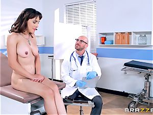 Cytherea is left dumping as she visits the doc