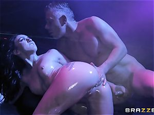 Mandy Muse donk penetrated deep by Mick Blue