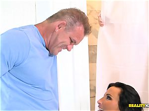 cheating wife Lezley Zen bashed secretly in the shower by hubby and her lover
