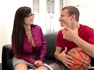 LiveGonzo Lisa Ann Mature buxom plowing