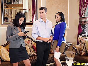 big-chested ebony agent gets an on-the-spot pornography casting