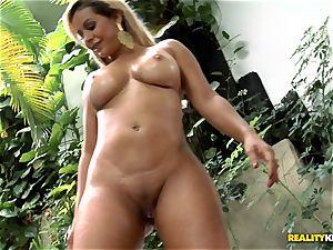 curvy brazilian butt pounding - Nicolle Bittencourt