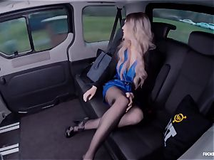 screwed IN TRAFFIC - steaming car intercourse with brit Carly Rae