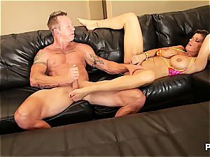 Kristal completing up with jism in her milf puss