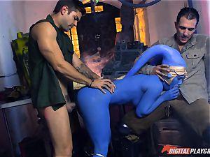 Alien Eva Lovia takes on 2 hero penises