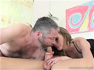 Mona Wales Turns Her husband Into ideal stiffy blower