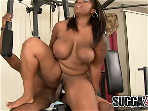 tearing up ebony bbw Skyy ebony in the Gym