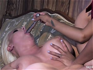 Leya shows skin how to sate a woman