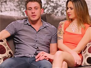 Fit couple searches for a 3rd member to engage in a super hot threesome with