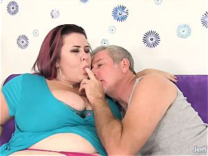 thick boobed plumper chick Lynn takes ginormous cock