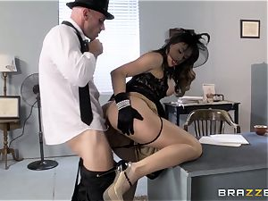 Chanel Preston craves Johnny Sins enormous spunk-pump