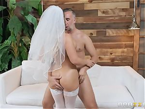 Cali Carter drilled in her bridal lingerie