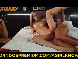 A dame KNOWS - Susy Gala screws hot lezzie with strap dildo
