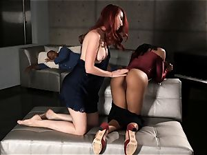 cougar and nubile Kendra and black Kira scissoring hard