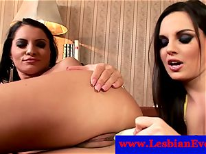 Lucy Belle and Eve Angel fingerblasting and playing