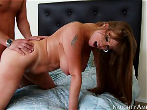Mature ultra-cutie seduced her daughter's boyfriend