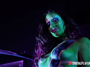 Guardians of the green cooch with Cassidy Klein