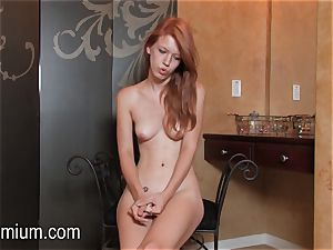 Pepper Kester shows her body at an interview