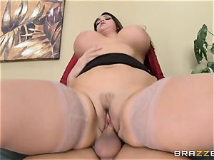 Alison Tyler gets her lush honeypot dicked in the office