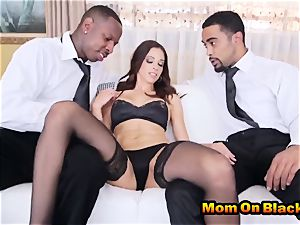 wonderful cougar Eva lengthy sucks two black rods And pulverizes In interracial threeway