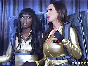 sizzling threeway with Ana Foxxx and Romi Rain