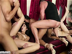 Punk's swinger fuckfest in a sloppy cower