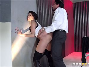 Bad dame Kayla Carrera backside pulverized by cop