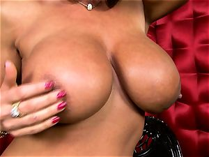 uber-sexy Lisa Ann unsheathes her ample appetizing bosoms