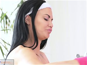 FitnessRooms anal invasion internal ejaculation session for big-boobed cougar